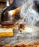 SMOKEWOOD APIARY PERFUME OIL 5 ml - Smoked Honey, Creamed Honey, Beeswax, Amber, Wooden Frames, Ginger & Vanilla