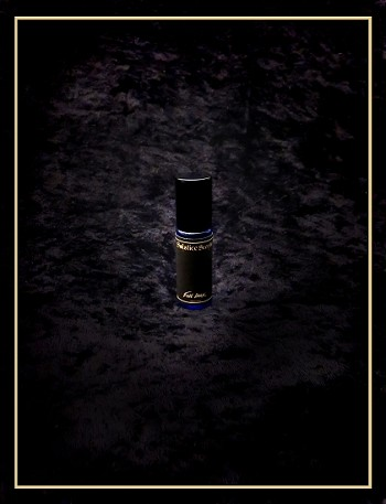 FULL DARK PERFUME 5 ml -  Amber resin, saffron, black rose, black musk, oud, fossilized amber, leather, smoked amber, spice - Alcohol based